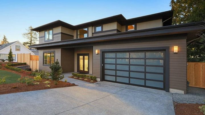 How to choose the right garage door color?